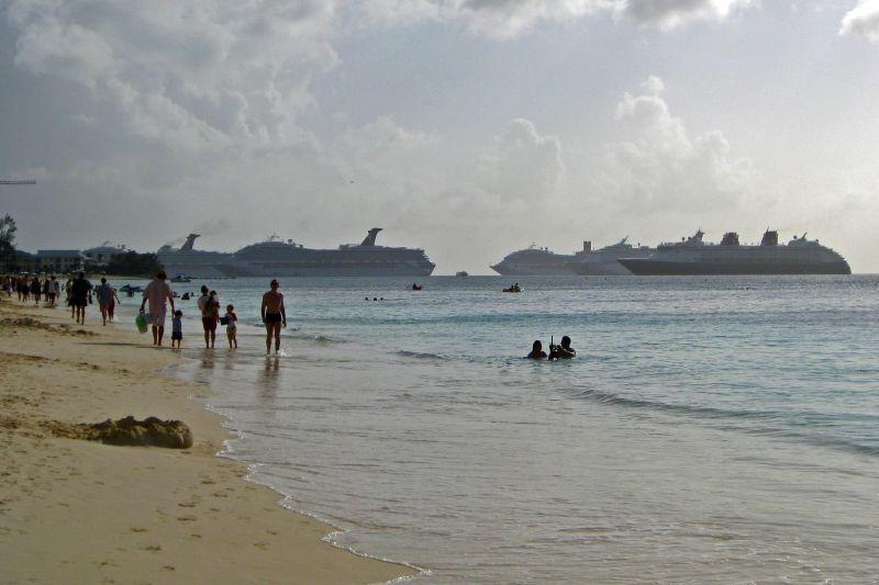 Cayman Cruise Ships
