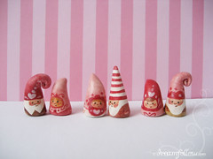 Valentine's Day NOMs! (merwinglittle dear) Tags: pink red cute love happy gnome couple day heart handmade pair valentines nom