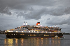 Queen Mary 2 Ocean Liner II (l plater) Tags: seascape clouds sunrise landscape dawn sydney australia cruiseship queenmary2 sydneyharbour blueribbonwinner cunardline mywinners abigfave almostanything citrit flickrelite theperfectphotographer lplater unlimitedphotos