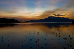 subic sunset (jobarracuda) Tags: ocean sunset mountain view philippines subic dagat pilipinas bundok dapithapon aplusphoto jobarracuda jojopensica fotocompetitionbronze fotocompetitionsilver vosplusbellesphotos