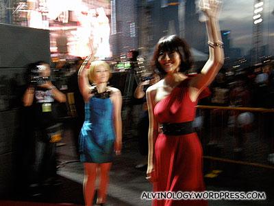 Joi Chua and Shi Xin Hui waving