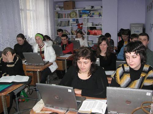 Grupul facultăţii tehnologii informaţionale din Taraclia (Institutul de Studii Biblice Inductive din Moldova)