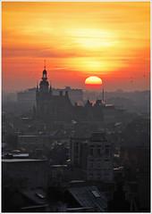 City sunrise (piggy2007b) Tags: city orange sun sunrise soleil belgium belgique belgie antwerp belgica zon antwerpen ville stad anvers zonsopgang belgien tweeduizend aplusphoto