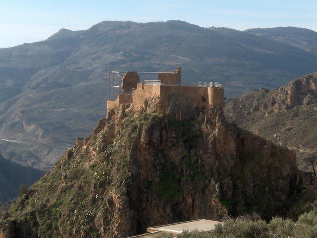 Ruínas del Castillo Árabe de Lanjarón.
