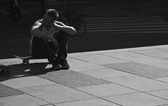 Break (Peyton Lea) Tags: street blackandwhite germany sitting break skateboarding skate skateboard nikond80 nikkor18135mm peytonlea