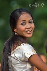 portrait of a young dancer (Ari V) Tags: new khmer year wat 2009 phnom kny battleofbandssamuelbandisppstudentssecondarygrade