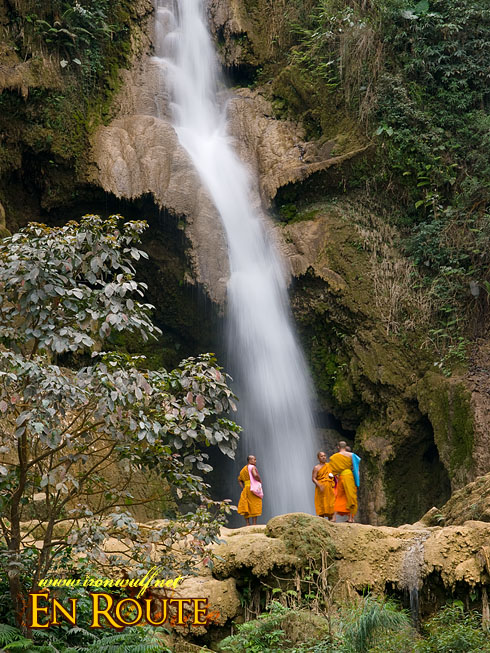 Tat Kuang Si Monks on Falls