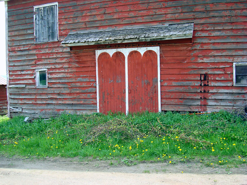 I heart this barn