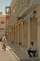 streetlife (jandudas) Tags: nikon asia asien dubai d70 uae east emirates arab middle    zia