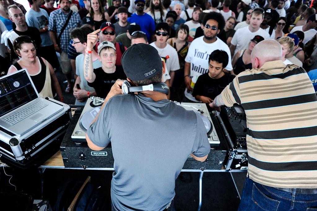Dj Numark and Crowd