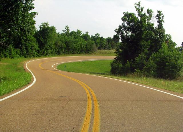 winding Tennessee backroads