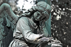 Painfully (melquiades1898) Tags: sculpture friedhof green cemetery angel germany nikon hessen frankfurt skulptur grn engel kamera d90 hauptfriedhof maincemetery