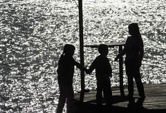 """Si vamos juntos, el camino es mas fácil (ARACELOTA) Tags: friends sun amigos sol water childhood río river children agua child friendship camino niños help future crianças amistad niñez esperanza futuro ayuda """"flickraward"""""""