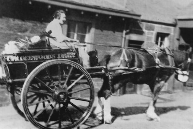 Nan Calderwood, 1920.