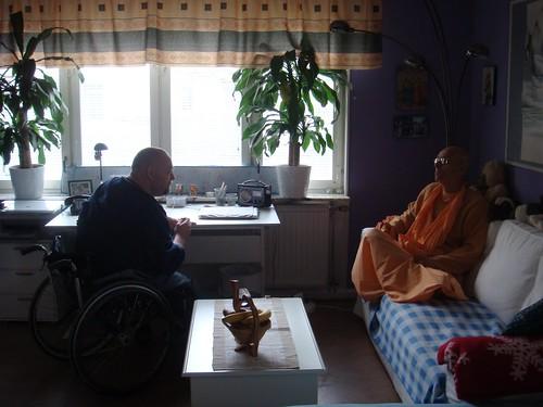 Kadamba Kanana Swami Korsnas Gard and at Ugrasena's 14th May 2010  -0039 por ISKCON desire tree.