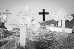 Croix noire au cimetiere mixte de Fadiouth - Senegal