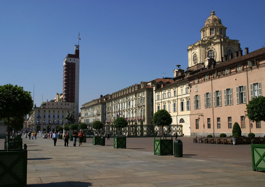 Torino, Piazza Castello, Chiesa di San Lorenzo und Torre Littoria (St. Lawrence Church and Littoria Tower)