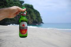 Bintang (Trent Strohm) Tags: ocean sea bali beer indonesia bottle asia bintang pasirputih strudelmonkey