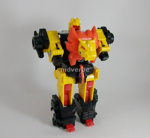 Transformers Razorclaw G1 - modo robot (by mdverde)