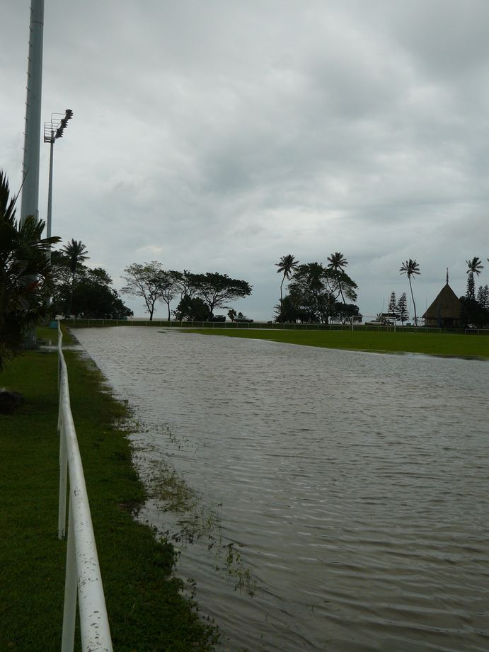 Depression tropicale fevrier 2009 Poindimie #4 : Inondation du stade de Tieti