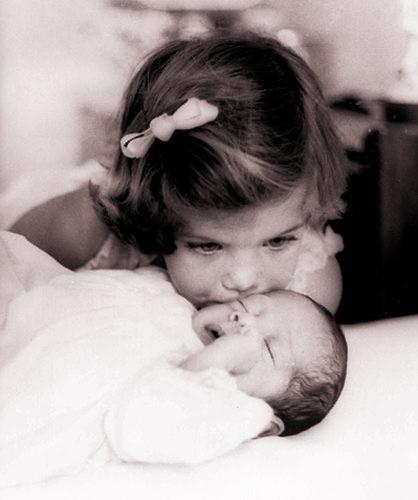 caroline kennedy kids. Caroline Kennedy, 3, kisses