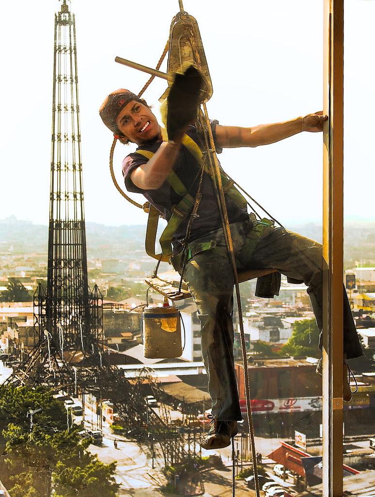 Climbing & Cleaning (La Torre del Reformador)