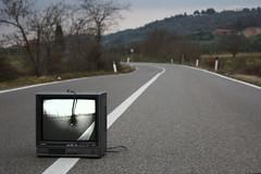 Tv Spenta per le crete (Holy455) Tags: street television canon eos tv strada crete televisione senesi 450d spenta 1855is holy455