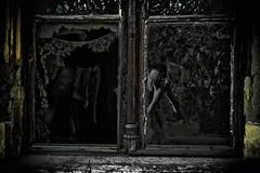 Haunt (Ray Schönberger) Tags: me photoshop dark mirror ghost rom wraith tükör én ablak épület szellem kísértet üvegszilánk