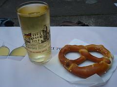 Wine & pretzel