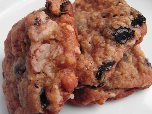 05-06 oatmeal raisin cookies