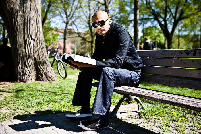 Enjoying a Book @ Trinity-Bellwoods Park, Toronto, photo by Krist Papas/whatsyourpersona.com