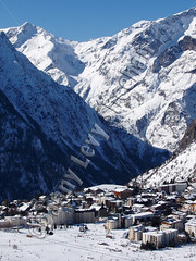 Les Deux Alpes (Danny Levy Sheehan) Tags: snow ski france mountains grenoble snowboarding europe skiing skiresort thealps snowpark frenchalps lesdeuxalpes les2alpes rhonealpes isre skiholiday dauphin lesalpes summerskiing lesecrins 1650m glacierskiing montdelans vnosc grandegalaxie