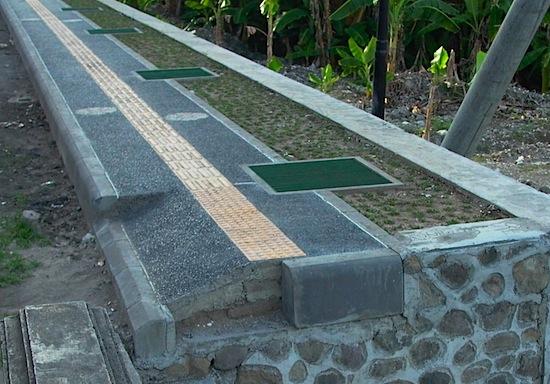 Footpath in Kuta