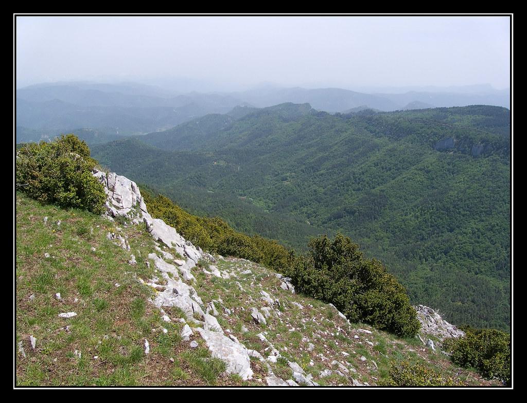Valle del río Erekia o Reslanda desde la cima del Remendía