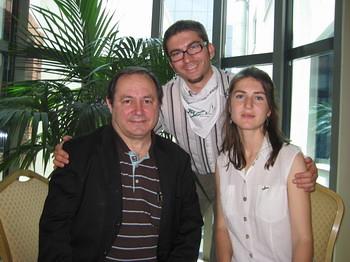 Генади Кондарев (ЗЕЛЕНИТЕ), Хуан Беренд (вляво, генерален секретар на ЕЗП), Деница Петрова (съпредседател, ЗЕЛЕНИТЕ)