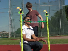 Master Shortie doing the limbo with Matt Edmondson on Pocket TV (Pocket TV) Tags: dancing sonyericsson limbo pockettv mastershortie mattedmondson