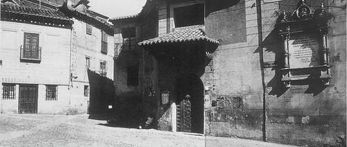 Iglesia de El Salvador (Toledo) a principios del siglo XX. Archivo Rodríguez