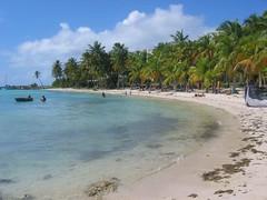 Gwada - Guadeloupe (@claudiamafalda) Tags: sea mer beach mare caribbean plage spiaggia guadeloupe meridien antilles gwada caraibi westindies guadalupa