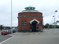 What is it ? (jazzebbess) Tags: london northwoolwich ecsochistory