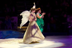 Disney On Ice - Worlds of Fantasy Dec 2008 (PeterPanFan) Tags: usa philadelphia canon character iceskating disney pixie pa fairy shows characters fairies 30d disneyonice disneycharacters pixiedust canon30d queenclarion disneyfairies pixiehollow jonfiedler worldsoffantasy disneyoniceworldsoffantasy fairymary