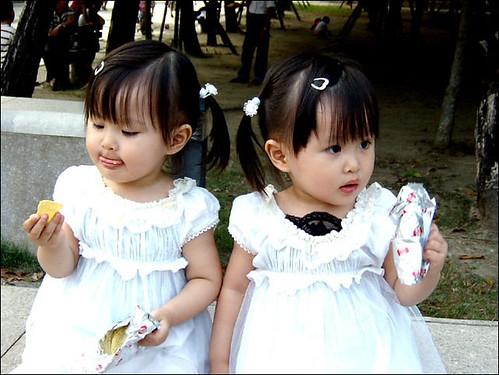 3332224123 ac9c79f81f - ~* Cutties Twins In The World *~