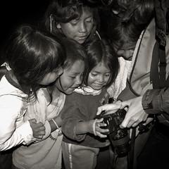 Children 2 (mmoborg) Tags: people bw barn children blackwhite ecuador folk 2007 svartvitt människor youvsthebest yourock1st thepinnaclehof mmoborg mariamoborg