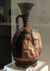 Αγγεία με ανάγλυφη διακόσμηση του 4ου αι. π.Χ.