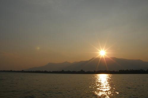 170.夕陽在湄公河上留下最美麗的一刻