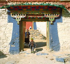 The highest Temple gate in the World (reurinkjan) Tags: 2002 tibet everest sagarmatha rongbuk chomolungma 8848m utsang tingricounty  janreurink