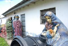 la madre, el nio y el padre prfugo (Melisa Casella) Tags: cabeza sin padre nio virgen madre reyes magos pesebre prfugo