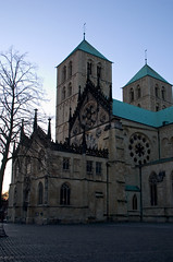 St.-Paulus-Dom (dididumm) Tags: sunset church germany sonnenuntergang cathedral dusk dom gothic kirche nrw dmmerung stpaulscathedral romanesque mnster 1225 gotisch abenddmmerung romanisch stpaulusdom