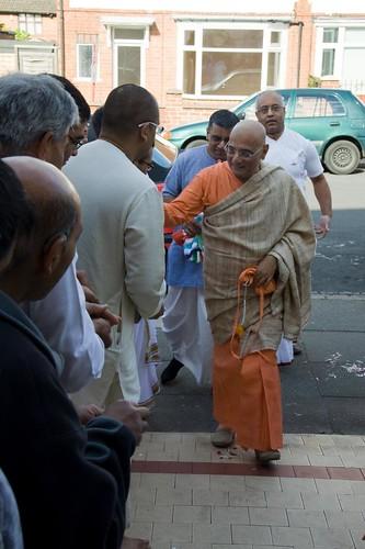 H H Bhakti Caru Swami 2010 - 0009 por ISKCON desire tree.