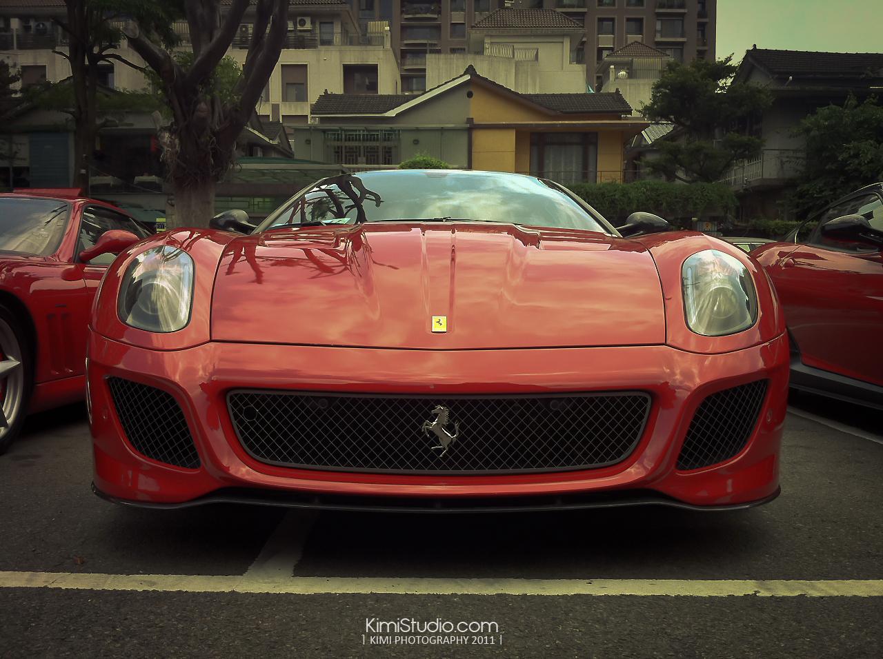 Ferrari 2011.06.10-016