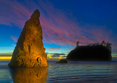 Painted Light Ruby Beach Olympic National Park (kevin mcneal) Tags: sunset lightpainting beach nature landscape twilight olympicpeninsula coastal haystack canon5d rubybeach olympicnationalpark abigfave kevinmcneal goldstaraward